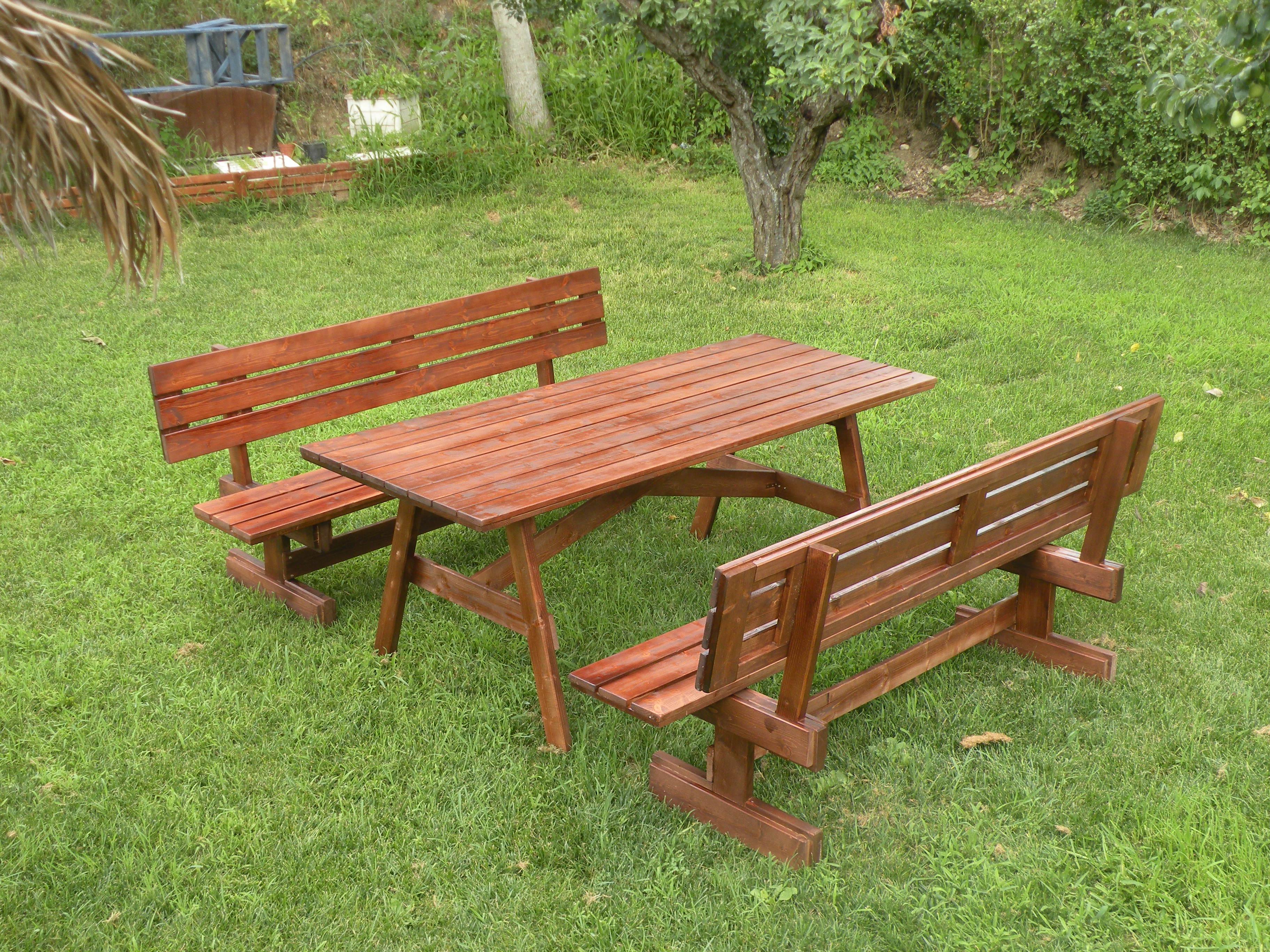 tavoli per l 39 esterno in legno tavolo da giardino con