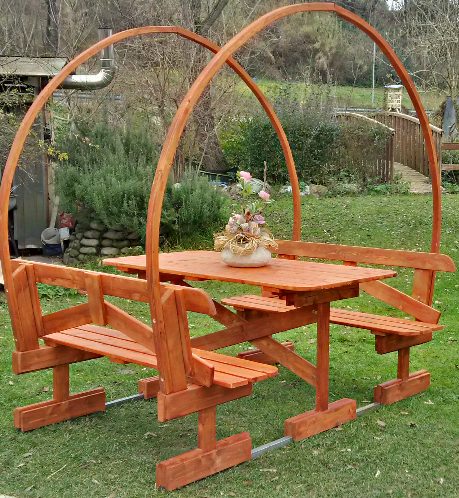 Tavoli per l'esterno in legno : Tavolo in legno con ...