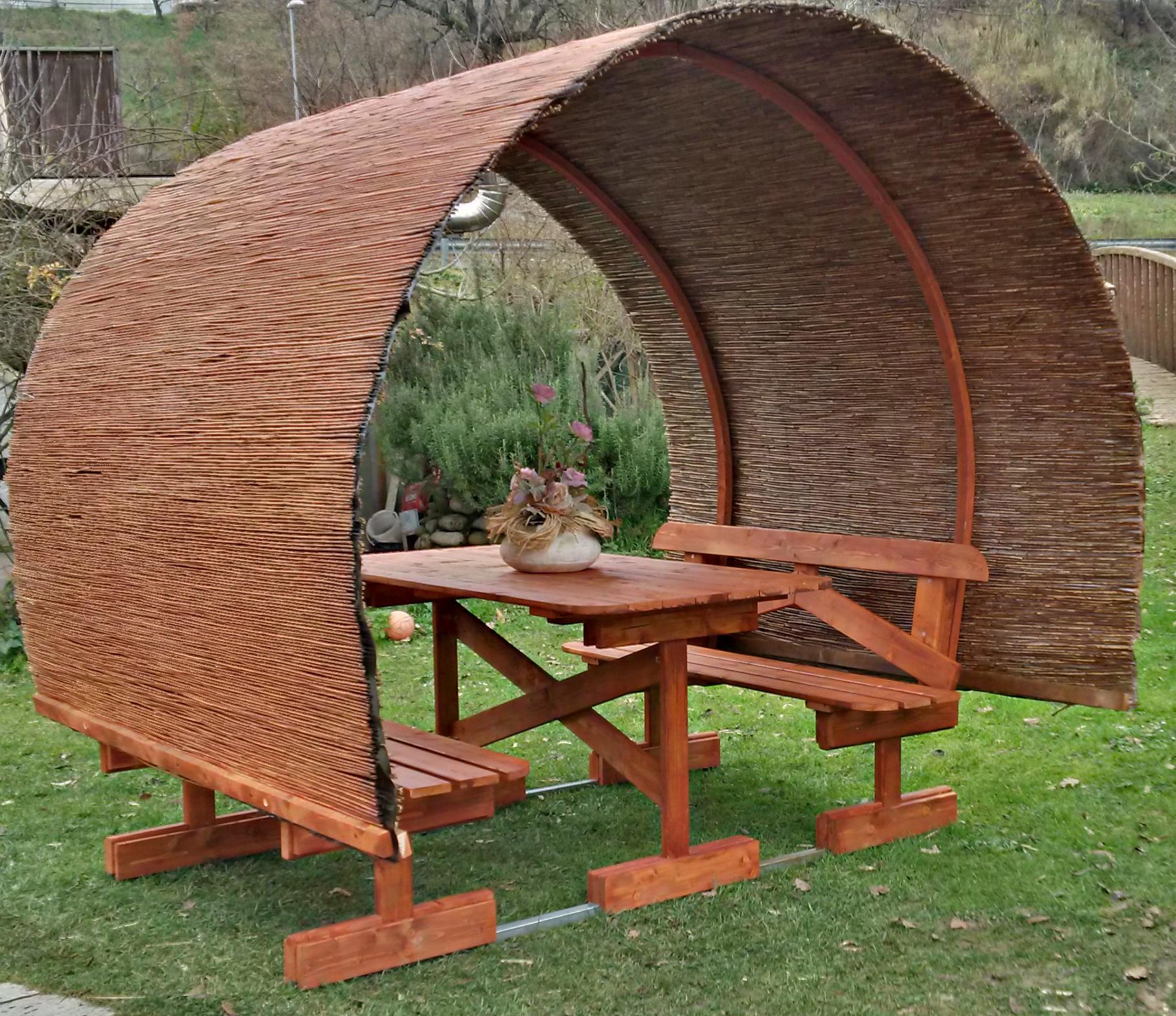 Tavoli per l 39 esterno in legno tavolo in legno con copertura mod botte - Tavoli per esterno in legno ...